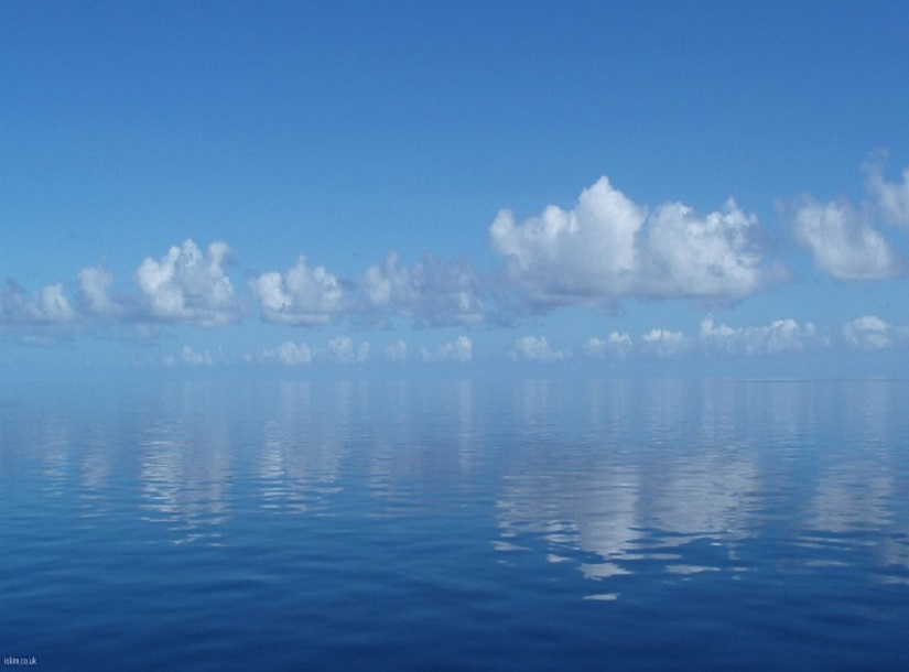 a calm soothing ocean scene, relaxed and restful